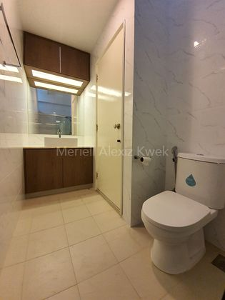 common bathroom 1 photo for illustrations only - please contact me at 9231 6455