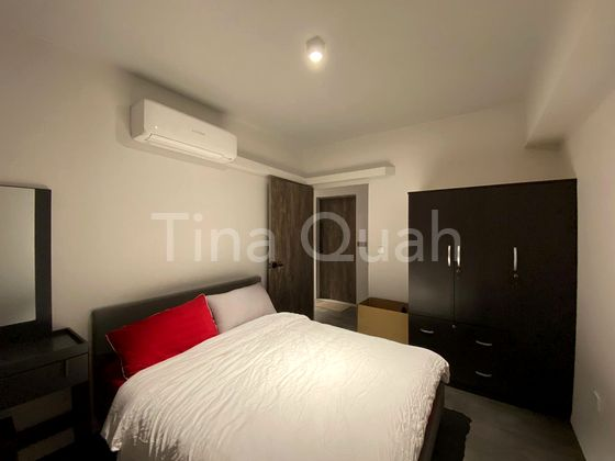 Queen Size Bed, Wardrobe, Aircon, Hairdresser table
