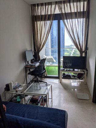 Above 30th. Bright and airy unit with great sea  and city view