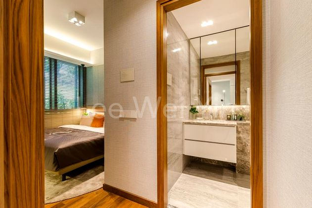 master room with ensuite bath