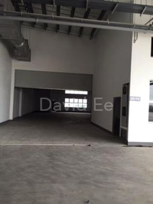 High ceiling with big roller shutter