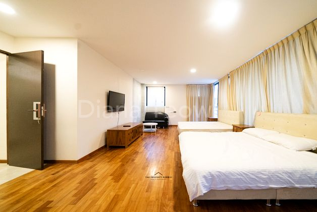Master Bedroom at Level 2